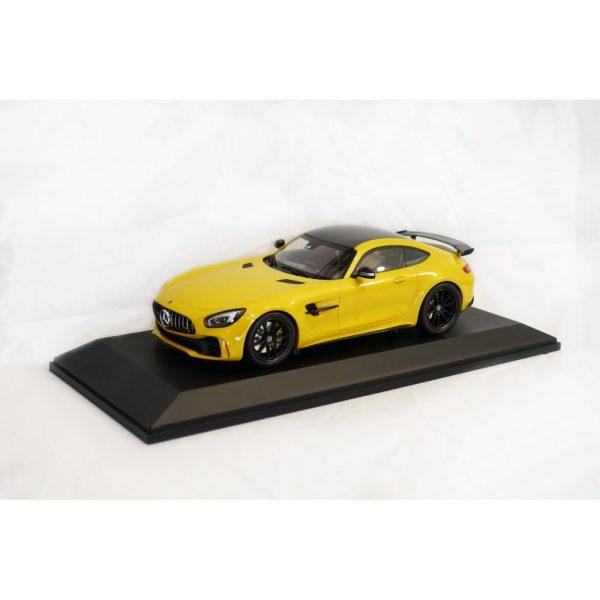 Minichamps - 118 Mercedes-AMG GT R Model Car (2)