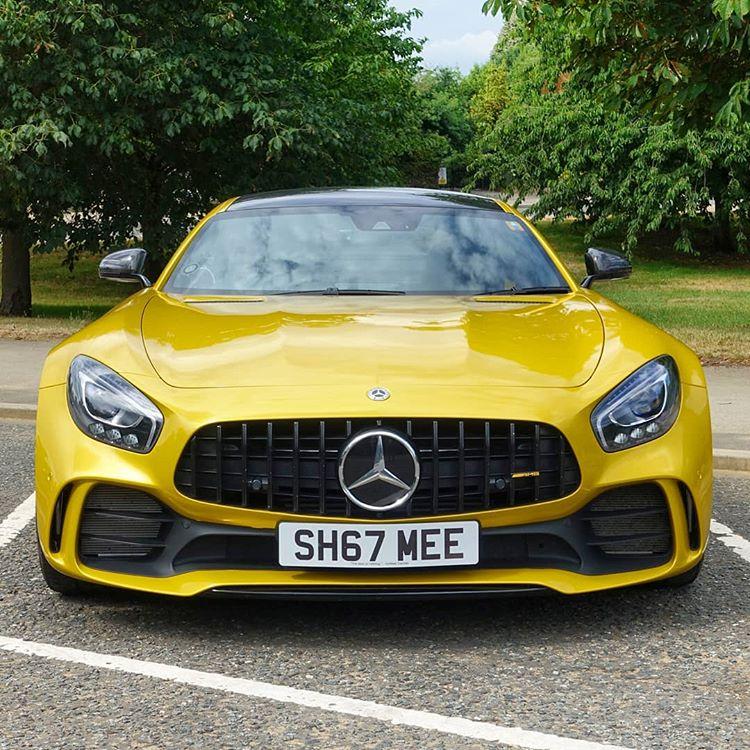Minichamps-118-Mercedes-AMG-GT-R-Model-C